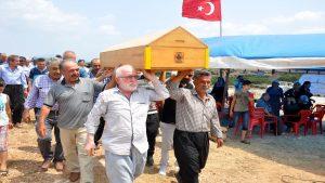Köylülerden 'gıyabi cenaze namazı'