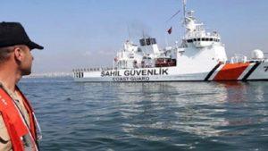 Çeşme'de kaçak göçmenler için kurtarma operasyonu