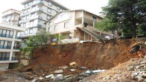 Yine toprak kayması… Belediye Başkanı 'Allah'ın takdiri' dedi…