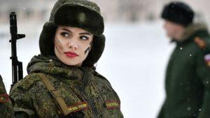 Rusya Savunma Bakanı Şoygu'dan, kadınlara orduda daha fazla kariyer imkânı sağlama sözü