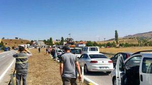 Çiftçiler, Ankara- Çankırı karayolunu trafiğe kapattı