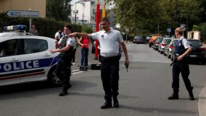 Fransa'da bıçaklı saldırı: Ölü ve yaralılar var