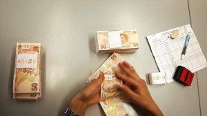 IIF: Türk Lirası değerinin altında