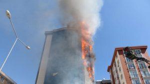 Ataşehir'de plazada yangın