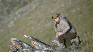 Putin Yenisey'de mantar topladı