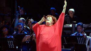 Selda Bağcan Bodrum'da konser verdi