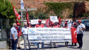 Sendikaya üye oldukları gerekçesiyle işten çıkarılan işçilerden protesto
