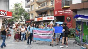 Trans cinayetleri, İzmir'de protesto edildi