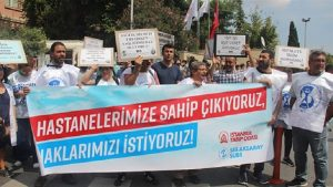 'Hastanelerimize sahip çıkıyoruz, haklarımızı istiyoruz!'