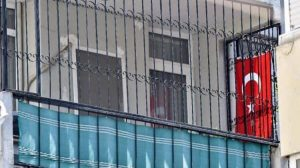 Brunson evine Türk bayrağı astı