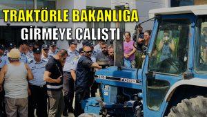 KKTC'deki protestoda bir eylemci traktörle Bakanlığa girmeye çalıştı
