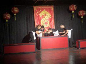İzleyicileri içine çeken bir oyun: ''Altın Ejderha''