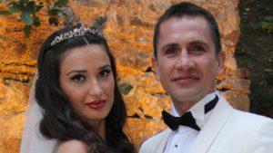 Eşini FETÖ'cü olarak ihbar etmişti… Emre Aşık ve eşinden şaşırtan karar