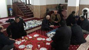 AKP'li başkandan camide kahvaltılı seçim toplantısı