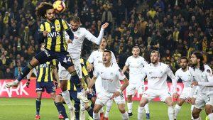 Fenerbahçe evinde Atiker Konyaspor ile berabere kaldı
