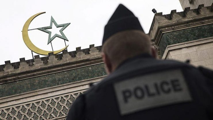 Fransa'da 7 cami kapatıldı! Sebebi…
