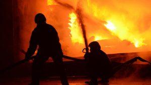 Arnavutköy'de fabrikada yangın!