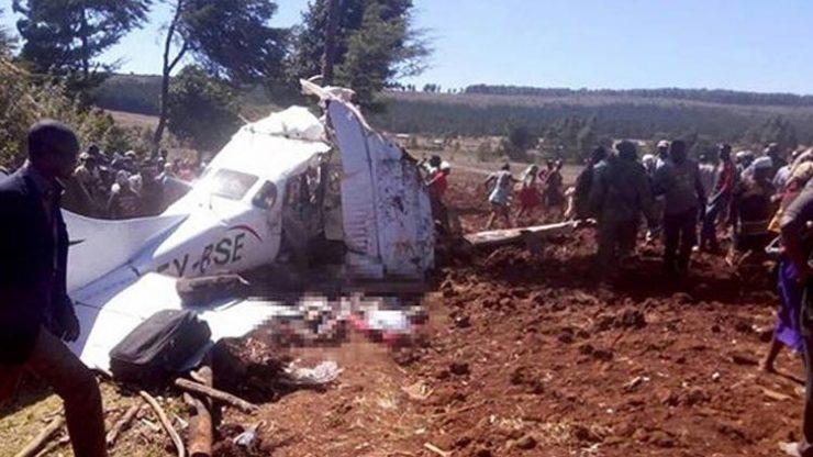 Kenya'da uçak düştü! 5 ölü…